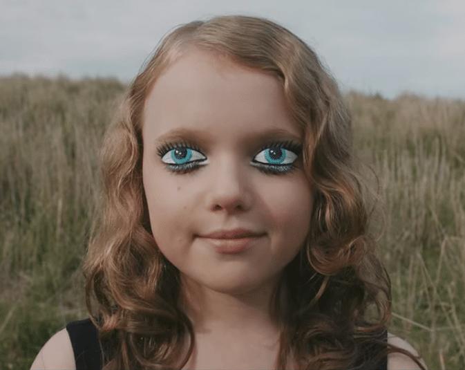 Премьера клипа Claptone на песню Dear Life